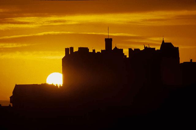 edinburgh-castle-at-sunset