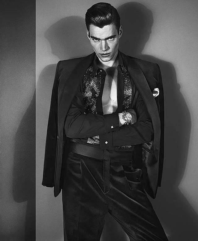 01A_Versace-Mens-FW-2012-Philipp-Schmidt-Model-1
