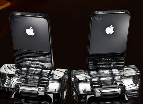 Calypso-Crystal-Dock-iPhone-4