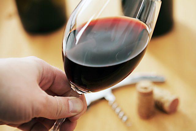 Wine_tasting-640