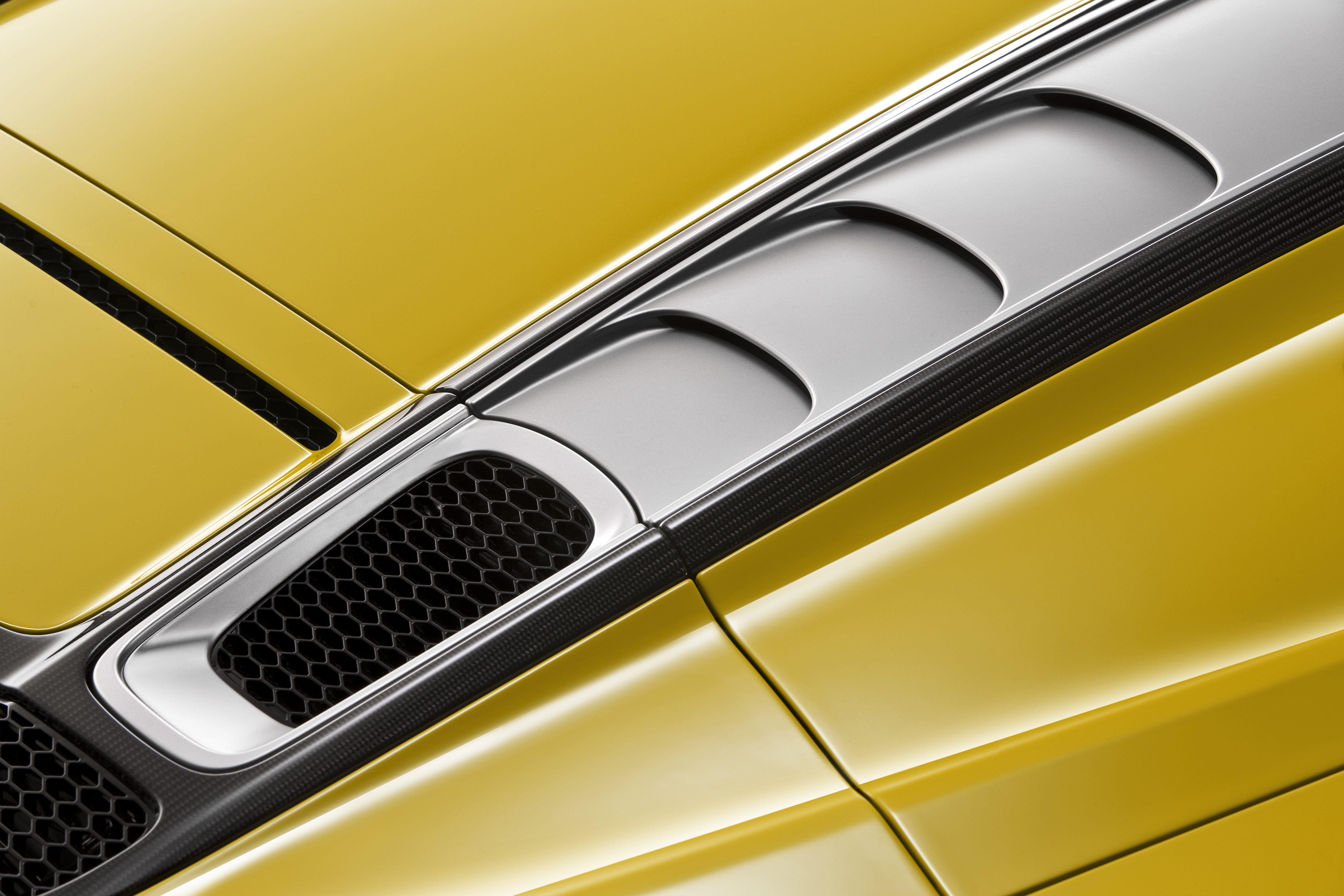 Audi R8 Spyder (12).jpg