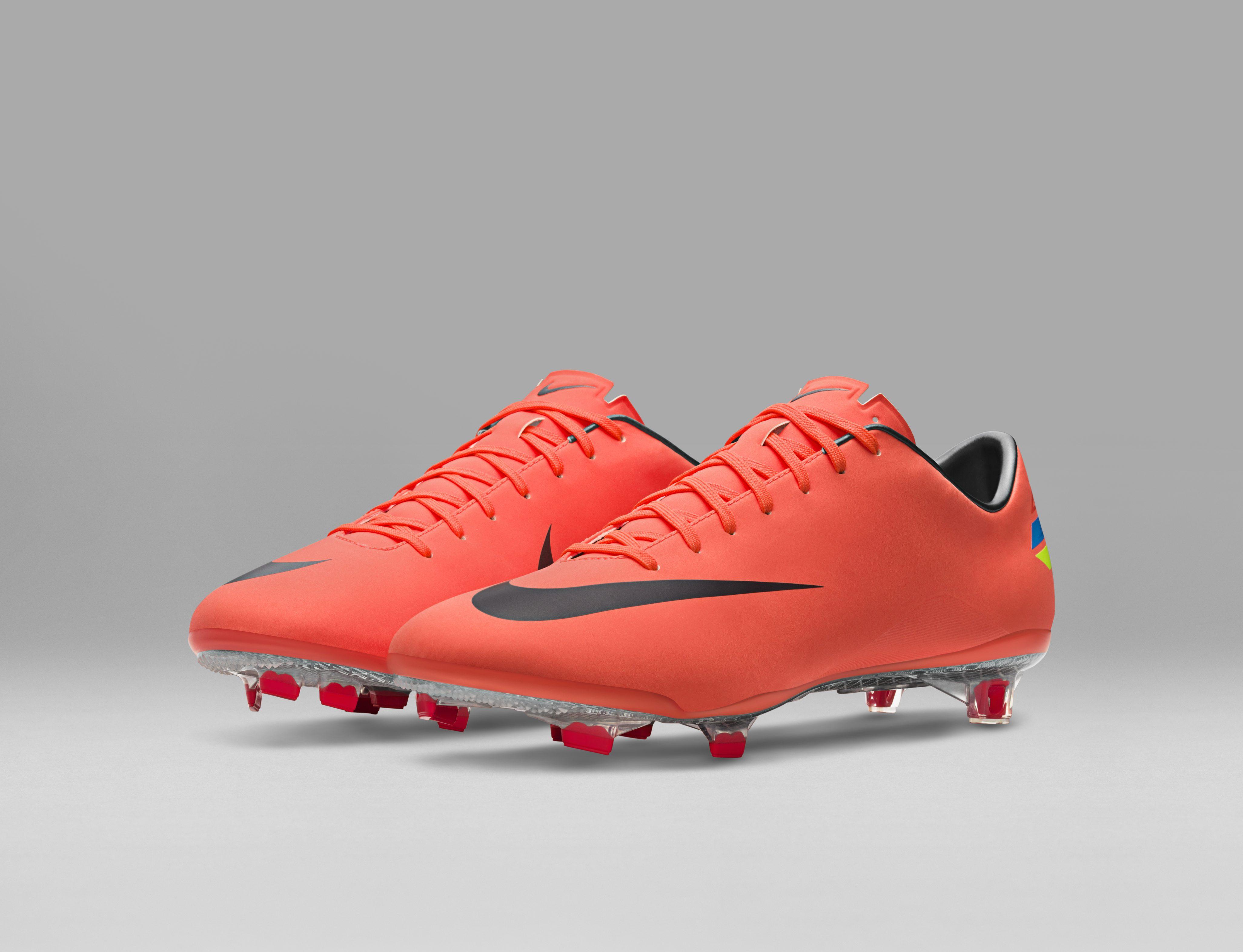 2011_Nike_Mercurial_Vapor_VIII_55736.jpg