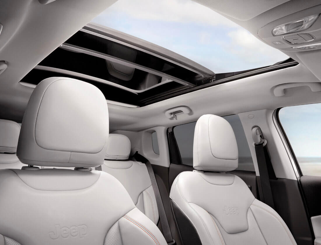 jeep-compass-interiors_limited_4