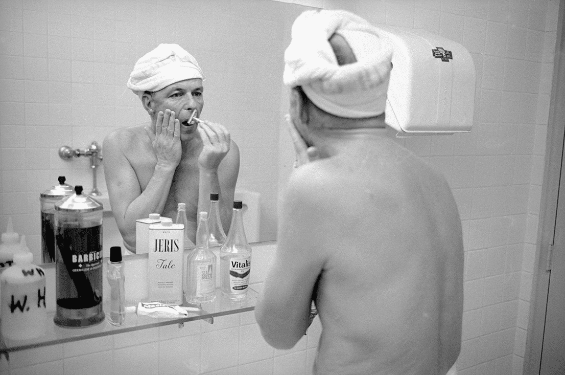 frank-sinatra-shaving