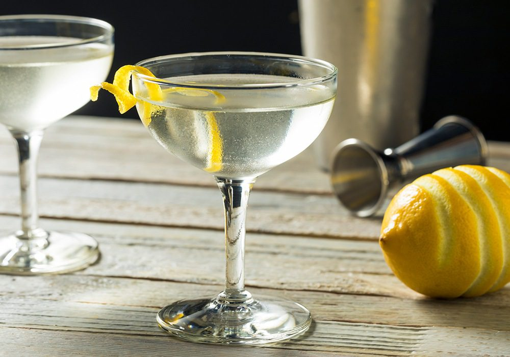 9 Classic Cocktails Every Man Should Know How To Make