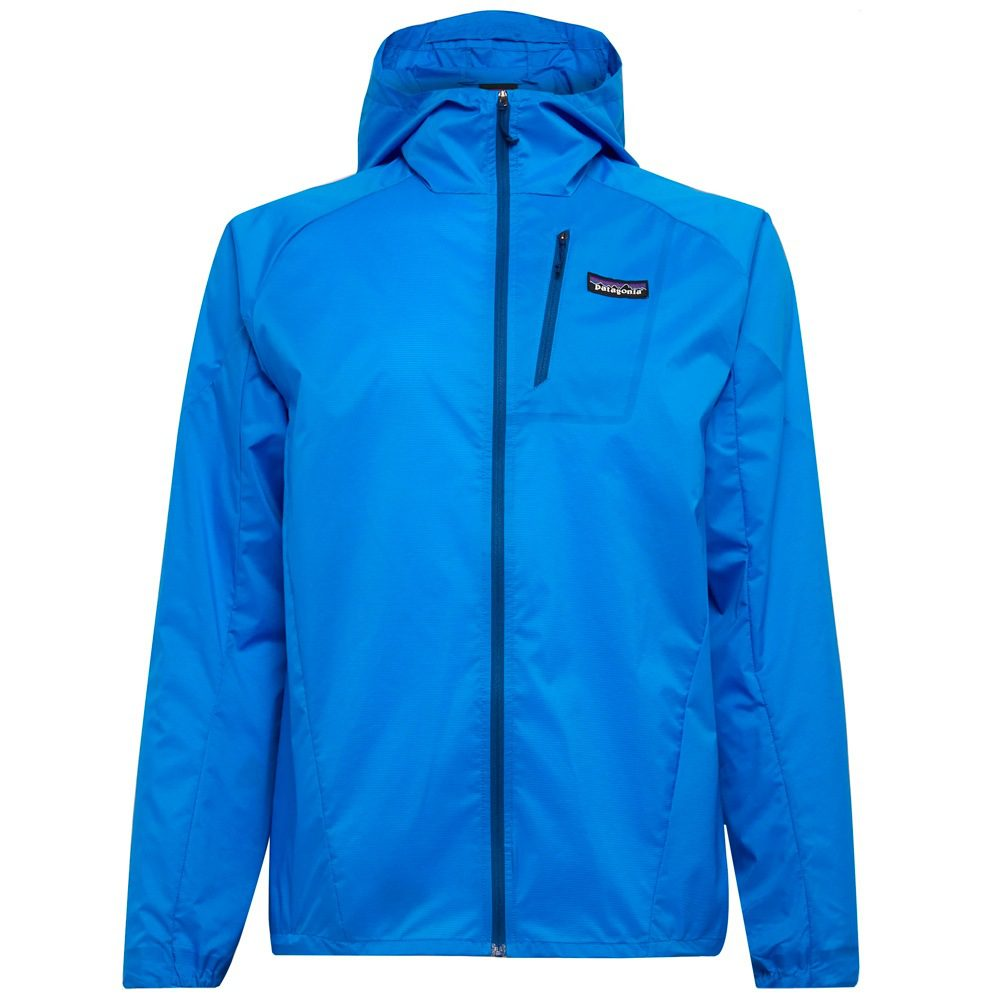 The Best Outdoor Clothing Pieces For Men: Stylish & Practical