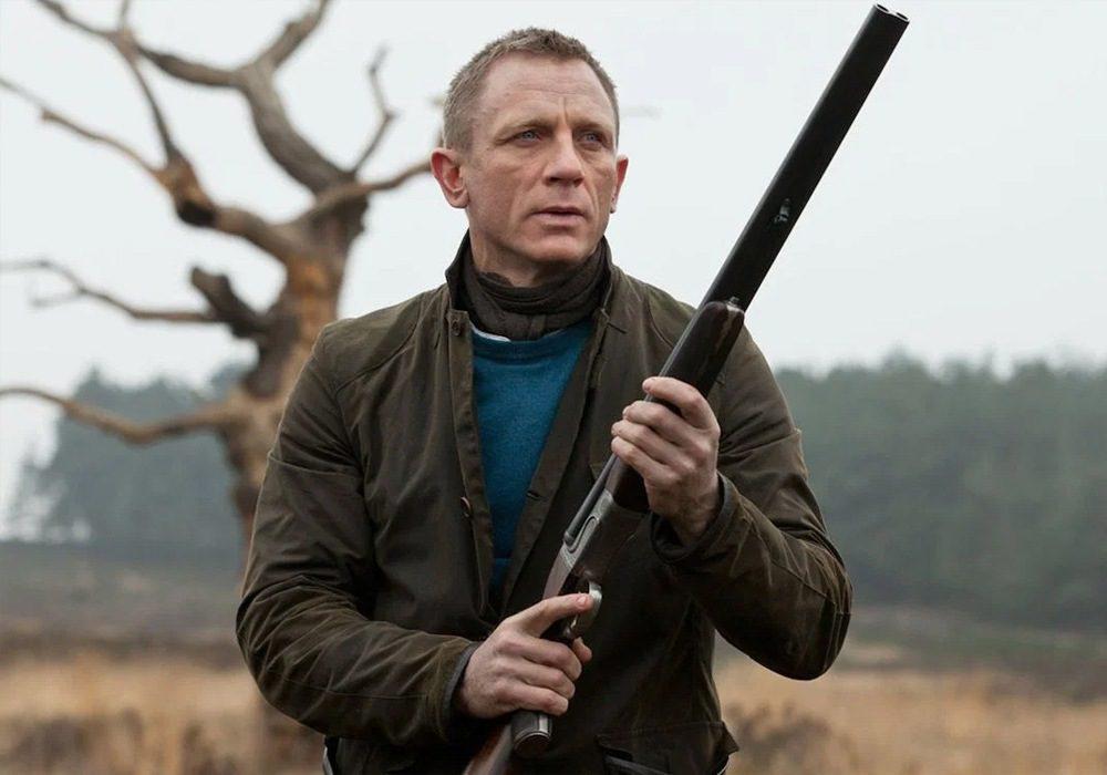 As etiquetas que o 007 de Daniel Craig usa 10